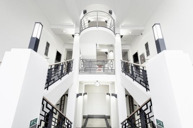 Ústav org chemie a biochemie_historická budova