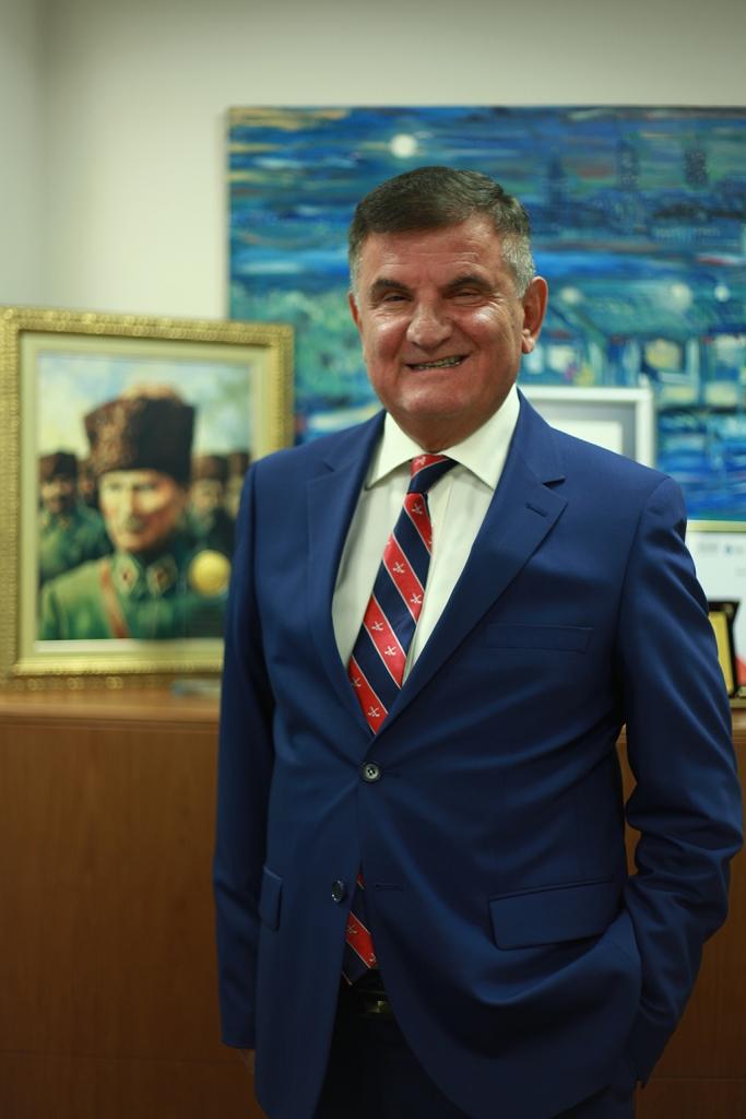 Azmi Sarıbay