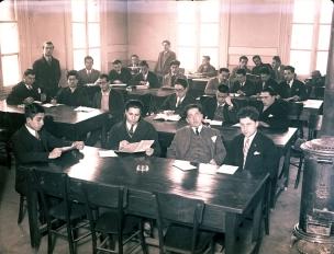 Etütte öğrenciler, 1930'lar. Suna ve İnan Kıraç Vakfı Fotoğraf Koleksiyonu.