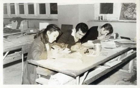 Gazi Resim-İş öğrencilerinin gece çalışması, takribî 1959-1962 SALT Araştırma, Osman Aziz Yeşil Arşivi