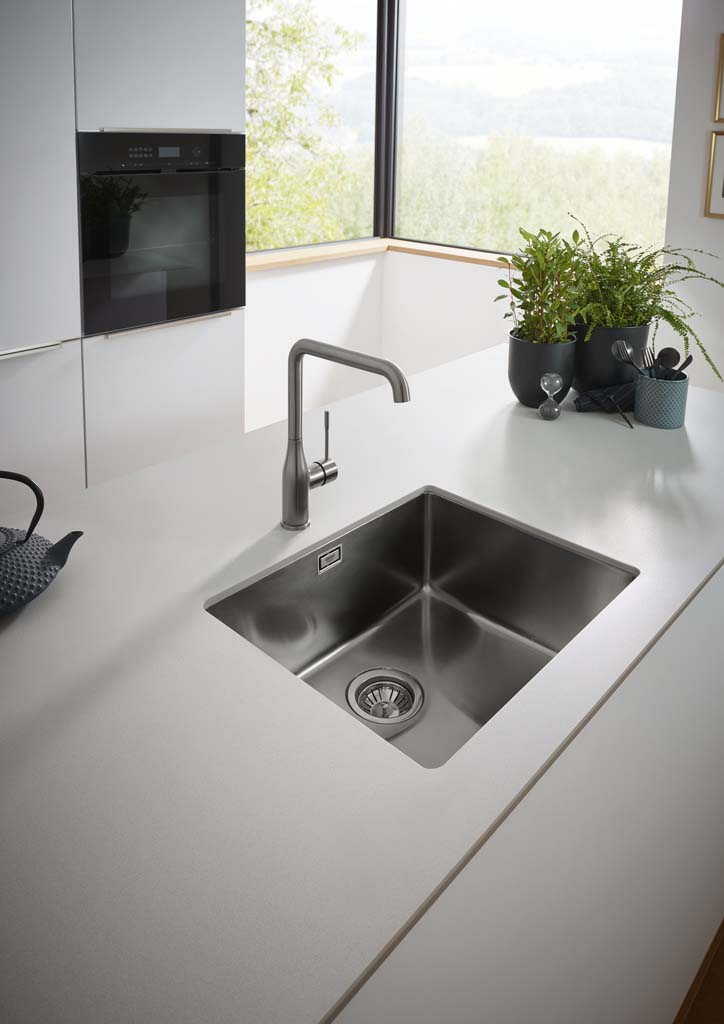 1559128611_GROHE_Kitchen_Colors_Brushed_Hard_Graphite_Milieu