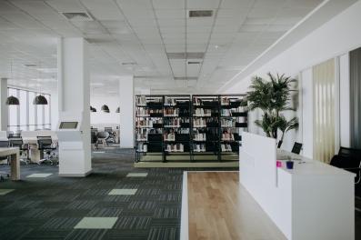 Kütüphane iç (6)